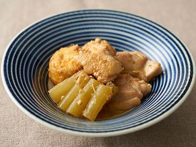 鶏肉とふきのピリ辛胡麻煮